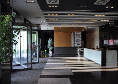 Office Garden irodapark beltér019