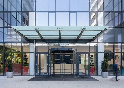 Office Garden - Bejárat